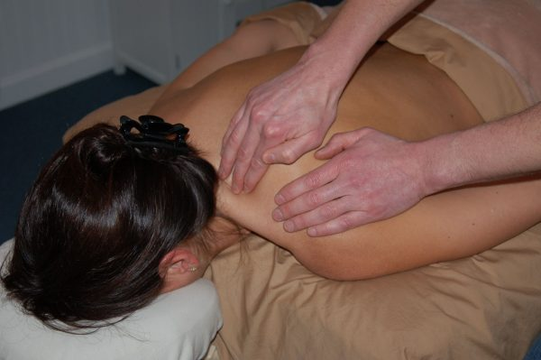 Cours de massage suédois en vidéo. Formation massage Annecy